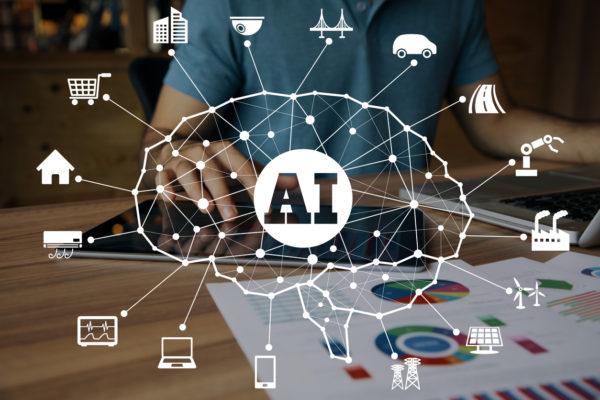 Künstliche Intelligenz (KI) unterstützt menschliches Denken.