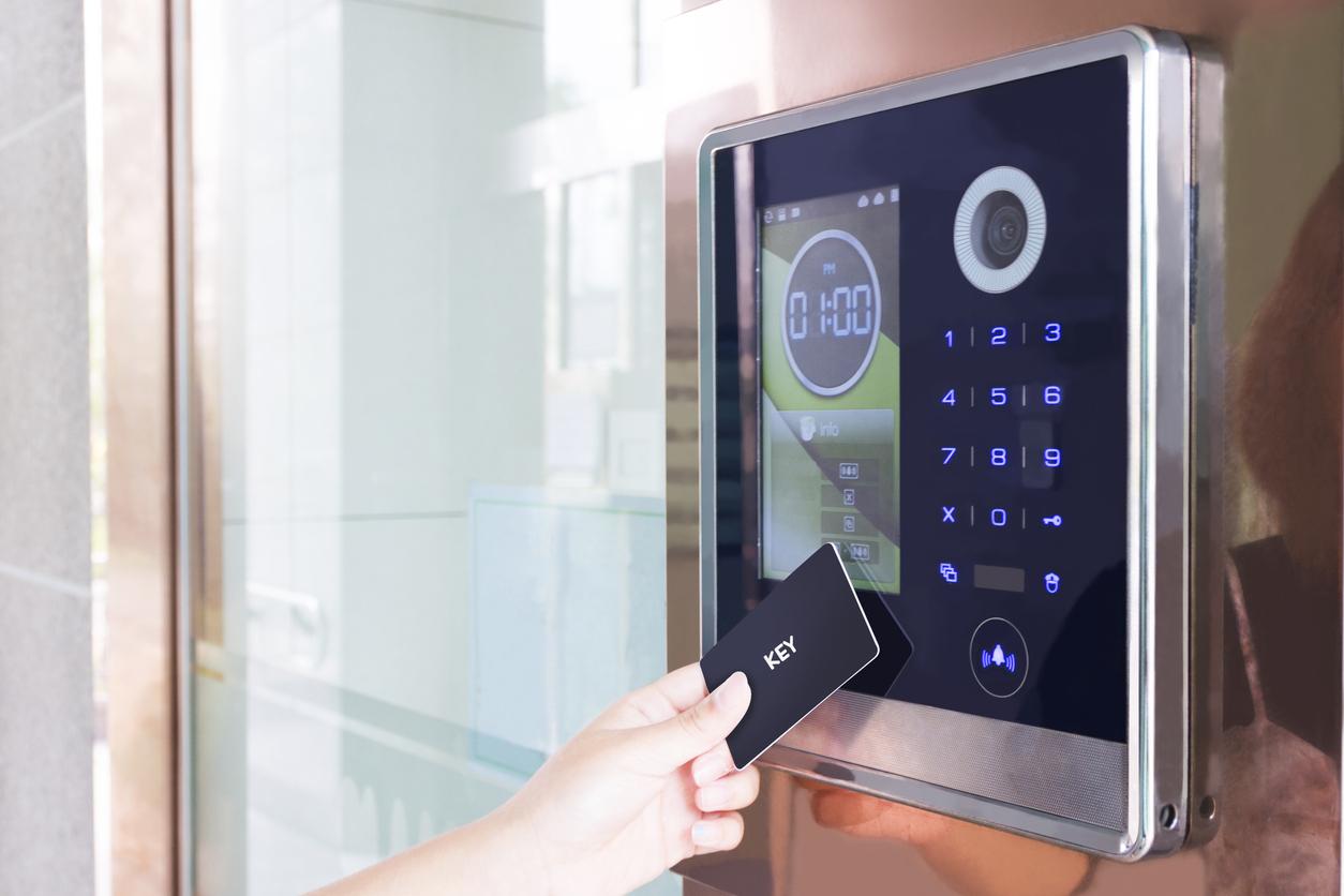 Das Internet of Things verbindet diverse Gebäudetechnik und sorgt für energieeffiziente Gebäude.