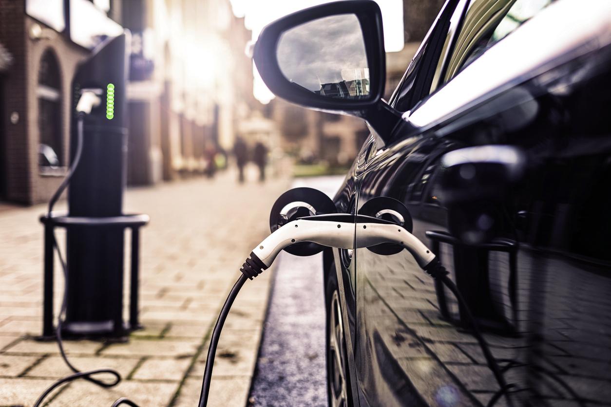 Die Elektroindustrie liefert Halbleiter, Batterien, Ladeinfrastruktur und weitere Technik für Elektroautos.