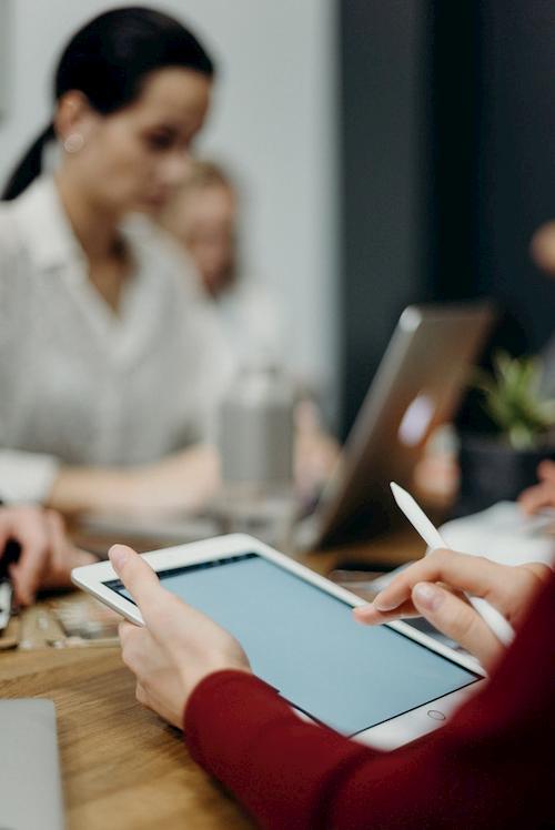 Hohe Transparenz zwischen Bank und Unternehmen erfordert Vorsicht bei Datenübertragung