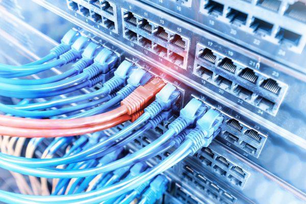 Lan Stecker und Kabel